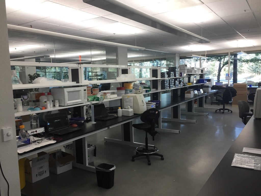 industrial workbenches and industrial workstations